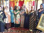 Amida Sumbar saat monitoring ke Museum Non Pemerintah, Yayasan Amai Setia Koto Gadang, Kabupaten Agam. (Dok. Istimewa)