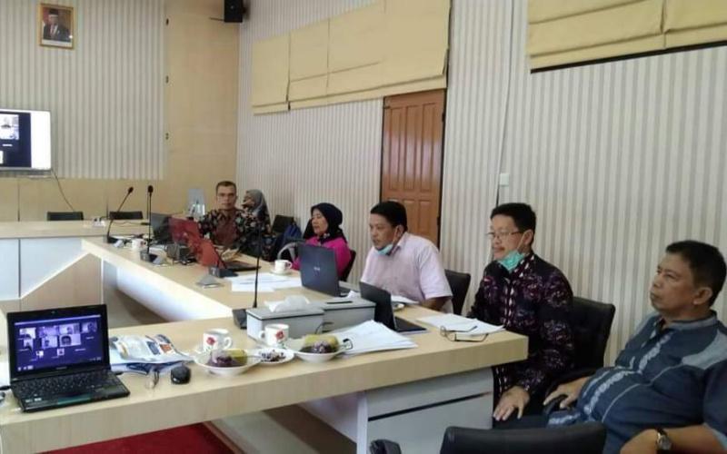 Dewan Juri Lomba Kesejarahan dari Rumah yang digelar oleh BPNB Sumbar saat menilai para peserta. (Dok. Istimewa)